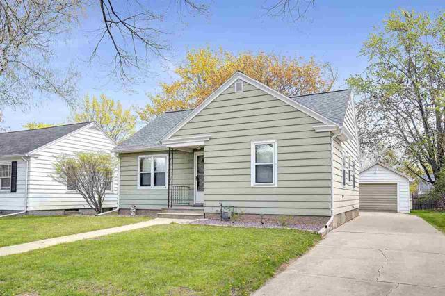 1133 11TH Avenue, Green Bay, WI 54304 (#50203058) :: Dallaire Realty