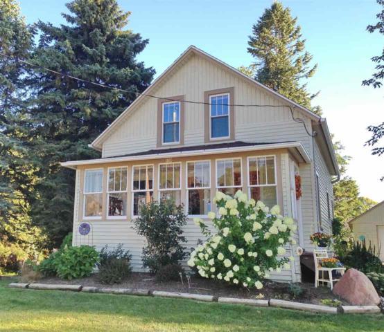 150 Summit Street, Pulaski, WI 54162 (#50203068) :: Dallaire Realty