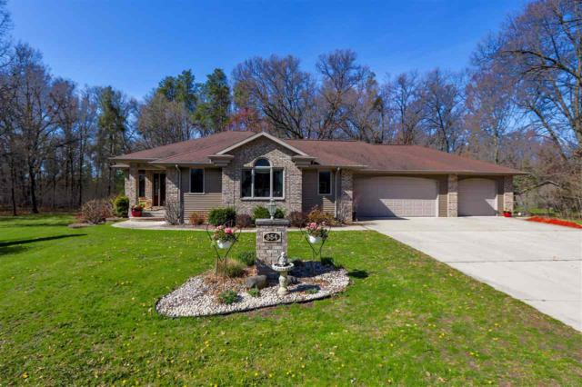 354 Oak Court, Oconto, WI 54153 (#50203077) :: Dallaire Realty