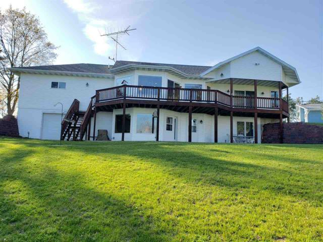 N1492 W Spencer Lake Road, Waupaca, WI 54981 (#50203109) :: Dallaire Realty