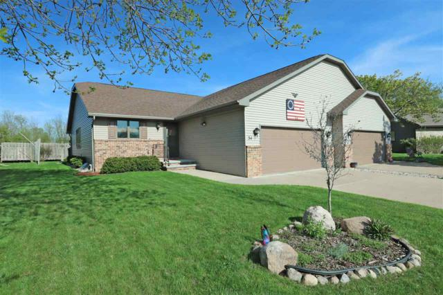 34 Spencer Village Court, Appleton, WI 54914 (#50203131) :: Dallaire Realty