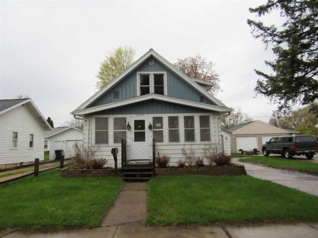 1209 Algoma Street, New London, WI 54961 (#50203142) :: Todd Wiese Homeselling System, Inc.