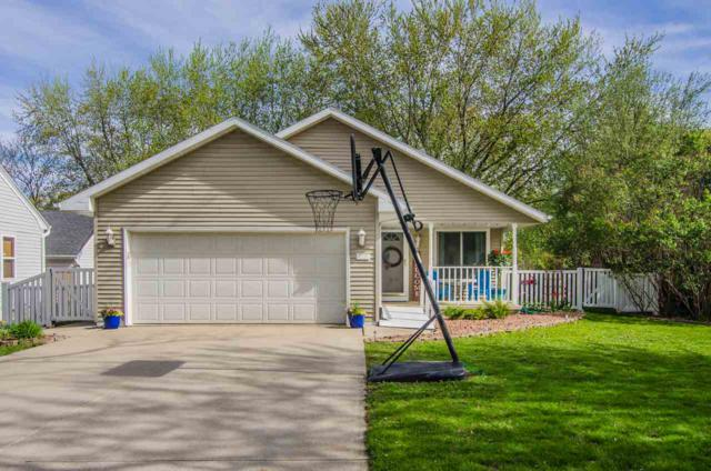 2220 Glendale Avenue, Green Bay, WI 54313 (#50203146) :: Dallaire Realty