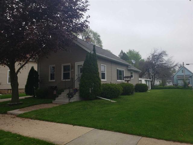 1422 Cedar Street, Oshkosh, WI 54901 (#50203157) :: Dallaire Realty
