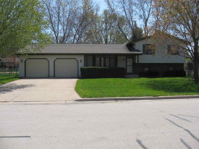 2093 Tunis Road, Green Bay, WI 54311 (#50203187) :: Dallaire Realty