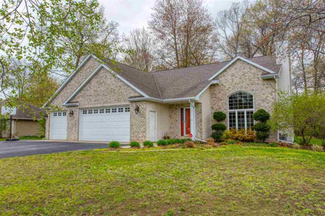 3149 Lakeview Drive, Suamico, WI 54173 (#50203251) :: Symes Realty, LLC