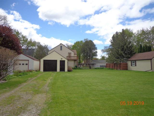 829 9TH Street, Menasha, WI 54952 (#50203274) :: Todd Wiese Homeselling System, Inc.