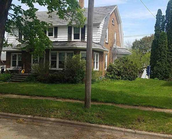 405 E Cook Street, New London, WI 54961 (#50203278) :: Todd Wiese Homeselling System, Inc.
