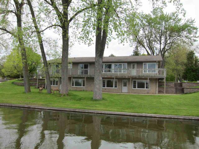 1744 Lakeshore Drive, Menasha, WI 54952 (#50203297) :: Todd Wiese Homeselling System, Inc.