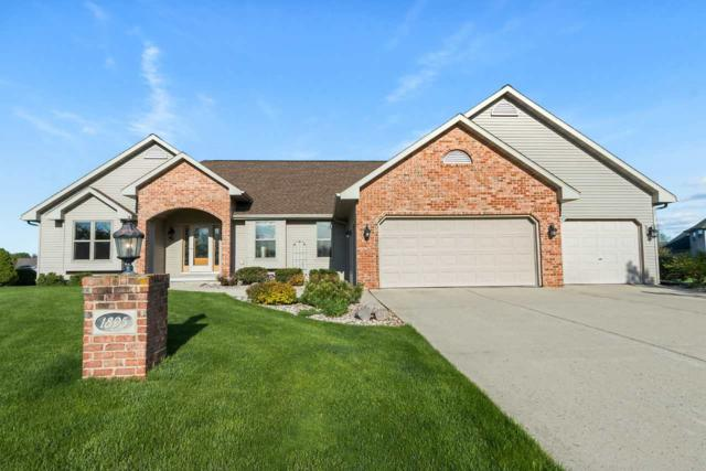 1895 Little Valley Court, De Pere, WI 54115 (#50203319) :: Dallaire Realty