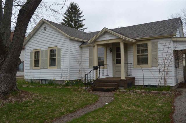 420 North Street, Waupaca, WI 54981 (#50203409) :: Dallaire Realty