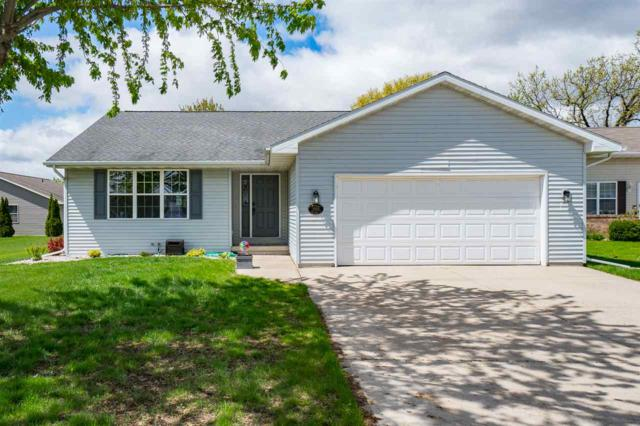 2525 Old Alex Court, Oshkosh, WI 54904 (#50203434) :: Todd Wiese Homeselling System, Inc.