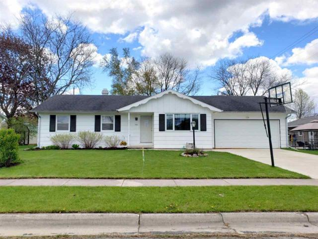 437 Roselawn Drive, Brillion, WI 54110 (#50203442) :: Todd Wiese Homeselling System, Inc.