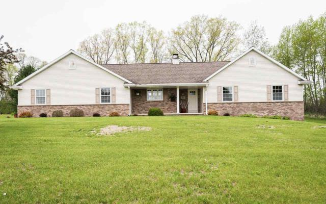 3281 River Forest Hills Drive, Pulaski, WI 54162 (#50203448) :: Symes Realty, LLC