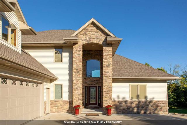 1298 Hoot Owl Court, Neenah, WI 54956 (#50203465) :: Todd Wiese Homeselling System, Inc.