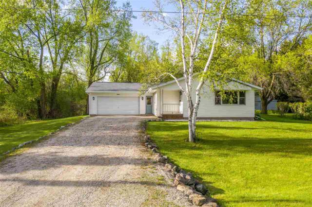 W7652 Hillwood Court, Hortonville, WI 54944 (#50203480) :: Todd Wiese Homeselling System, Inc.