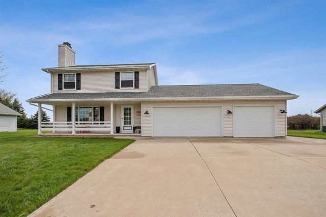 2450 Royal Bay Ridge Road, New Franken, WI 54229 (#50203492) :: Todd Wiese Homeselling System, Inc.