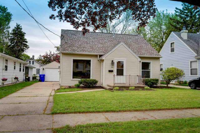 531 W Parkway Boulevard, Appleton, WI 54911 (#50203503) :: Todd Wiese Homeselling System, Inc.