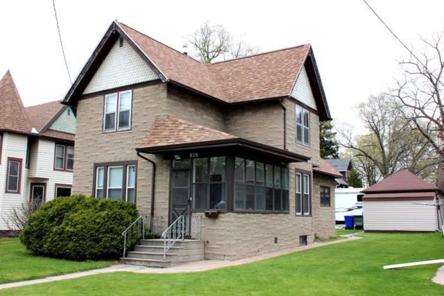 814 Metoxen Avenue, Kaukauna, WI 54130 (#50203506) :: Todd Wiese Homeselling System, Inc.