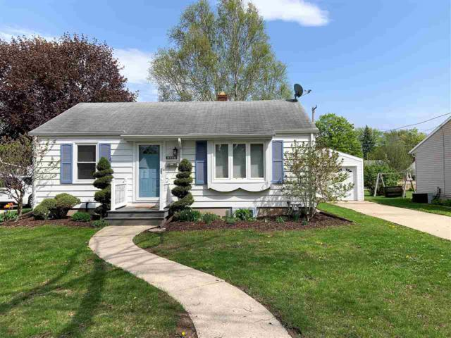 1143 Colonial Avenue, Green Bay, WI 54304 (#50203523) :: Todd Wiese Homeselling System, Inc.