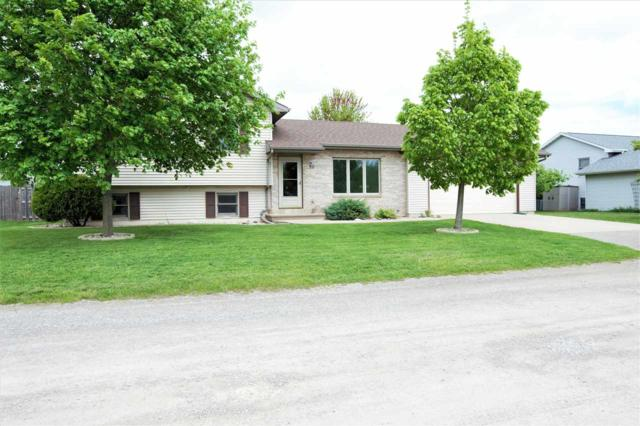 90 Kope Avenue, Oshkosh, WI 54901 (#50203531) :: Todd Wiese Homeselling System, Inc.