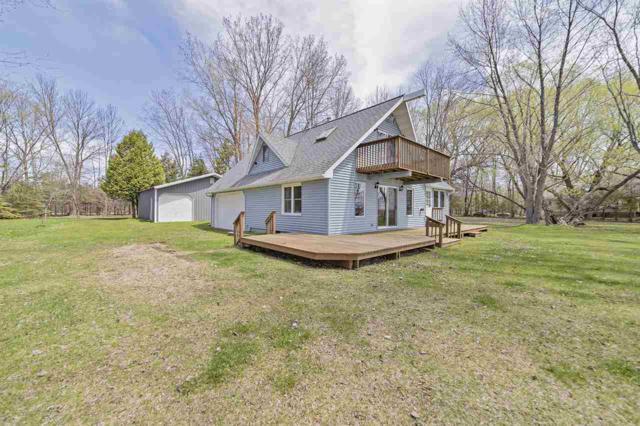 W3177 Bay Road, Peshtigo, WI 54157 (#50203532) :: Todd Wiese Homeselling System, Inc.