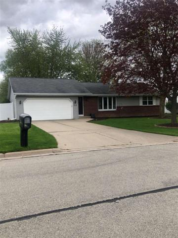 713 Glenhaven Lane, Green Bay, WI 54301 (#50203540) :: Todd Wiese Homeselling System, Inc.