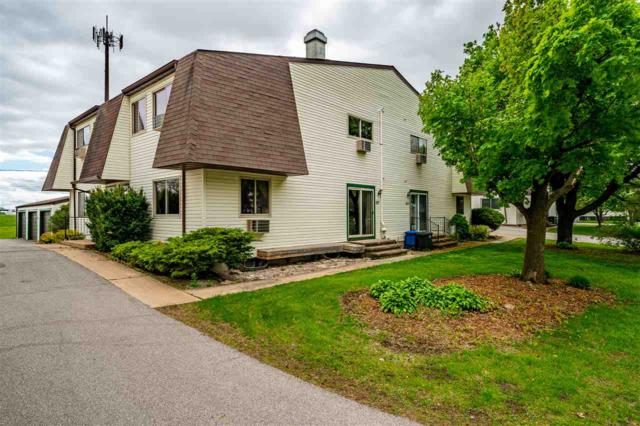 827 Kay Court, Neenah, WI 54956 (#50203552) :: Todd Wiese Homeselling System, Inc.