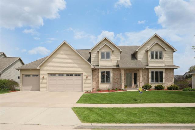 3232 S Solitude Lane, Appleton, WI 54915 (#50203577) :: Todd Wiese Homeselling System, Inc.