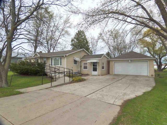 320 N Northview Road, Green Bay, WI 54311 (#50203580) :: Todd Wiese Homeselling System, Inc.