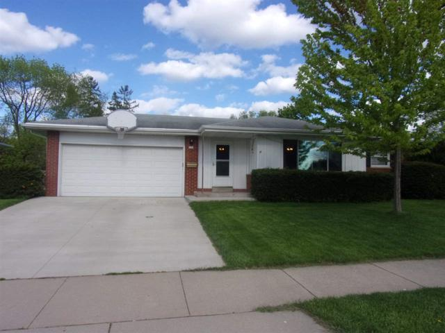 626 Lilac Street, Oshkosh, WI 54902 (#50203583) :: Todd Wiese Homeselling System, Inc.