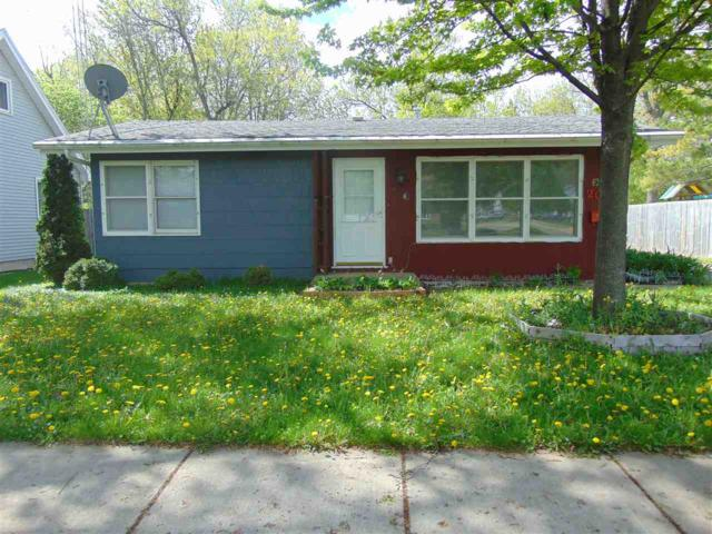 2013 Winchester Avenue, Oshkosh, WI 54901 (#50203590) :: Todd Wiese Homeselling System, Inc.