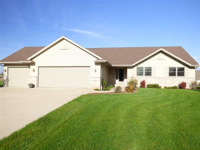 1561 Park Haven Road, De Pere, WI 54115 (#50203600) :: Todd Wiese Homeselling System, Inc.