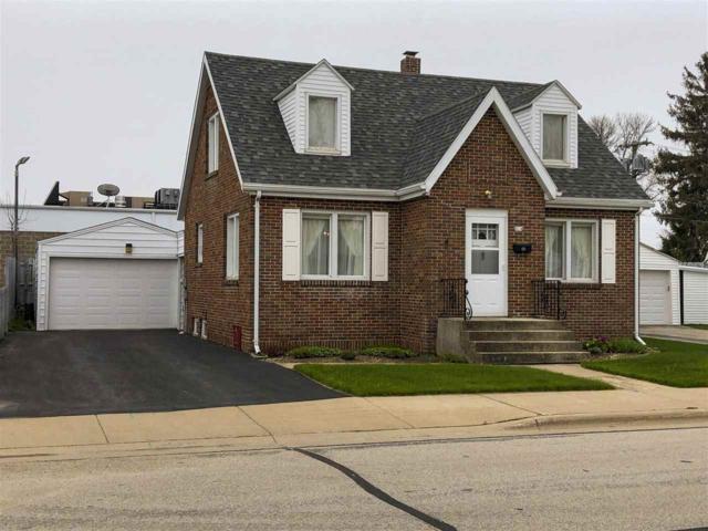 414 Adams Street, Algoma, WI 54201 (#50203716) :: Dallaire Realty