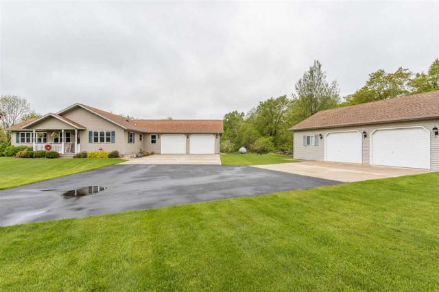 8672 Maple Grove Lane, Brussels, WI 54204 (#50203777) :: Dallaire Realty