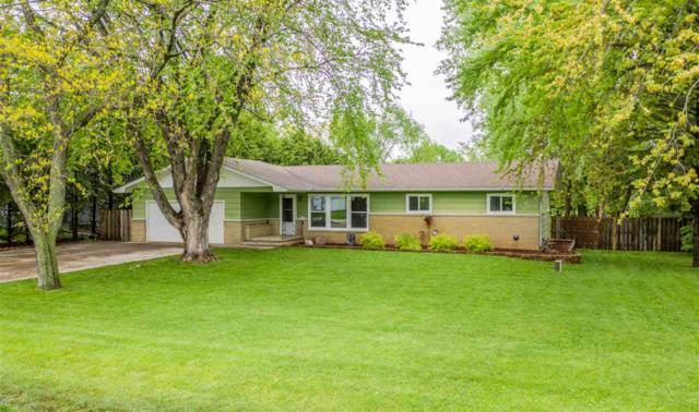 2886 Sheldon Drive, Oshkosh, WI 54904 (#50203831) :: Todd Wiese Homeselling System, Inc.