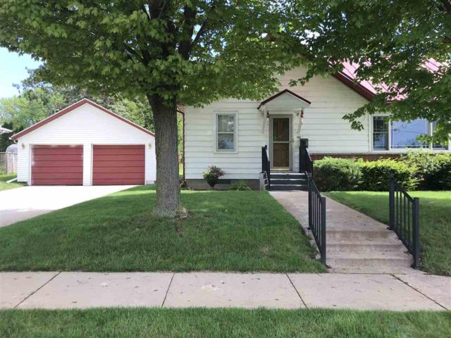 39 Wilson Street, Clintonville, WI 54929 (#50203978) :: Todd Wiese Homeselling System, Inc.