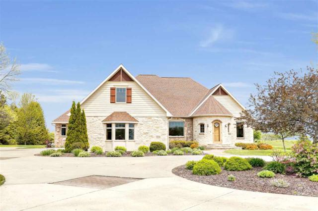 E5410 Golf Drive, Kewaunee, WI 54216 (#50204022) :: Dallaire Realty