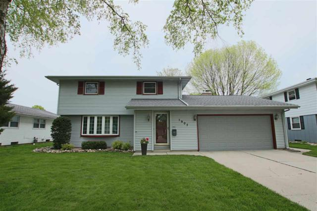 1907 N 27TH Place, Sheboygan, WI 53081 (#50204047) :: Todd Wiese Homeselling System, Inc.