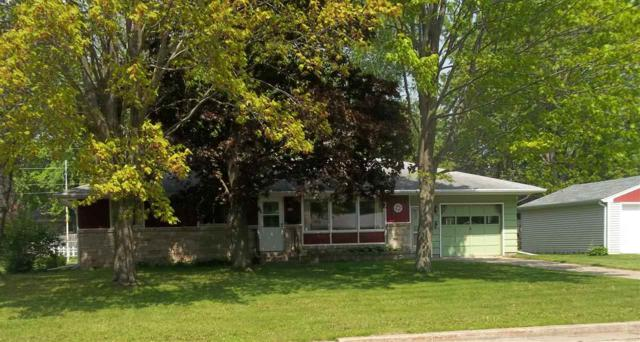 183 Robert Street, Clintonville, WI 54929 (#50204059) :: Todd Wiese Homeselling System, Inc.