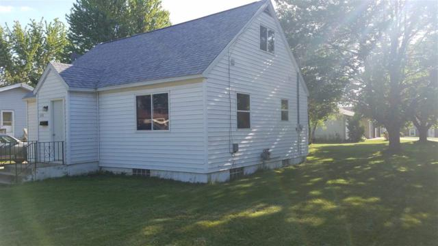 1601 S Pearl Street, New London, WI 54961 (#50204481) :: Todd Wiese Homeselling System, Inc.