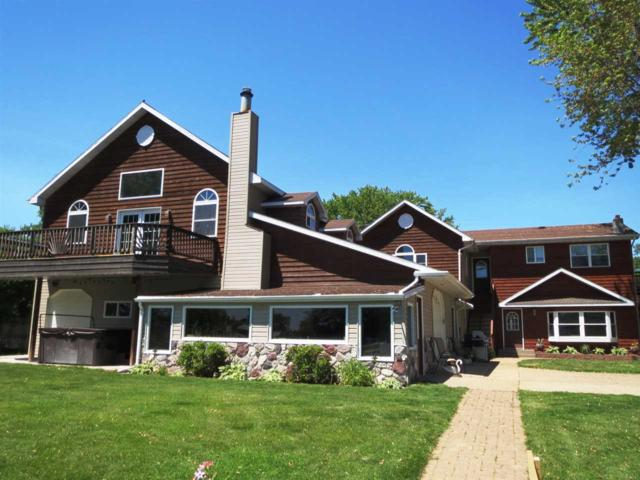 902 W North Water Street, New London, WI 54961 (#50204562) :: Dallaire Realty