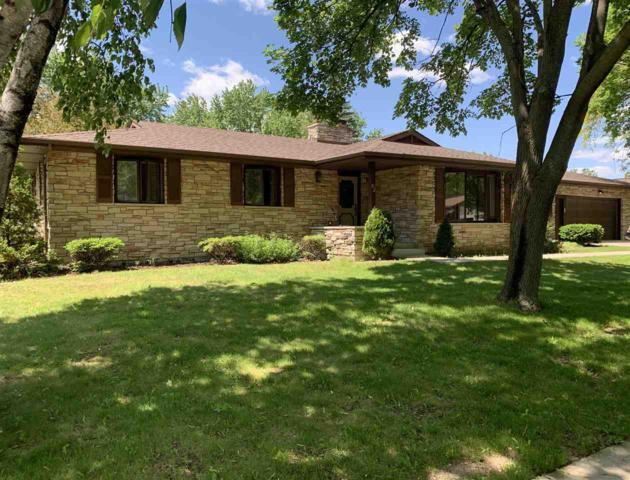 82 S St Josephs Lane, Fond Du Lac, WI 54935 (#50204581) :: Todd Wiese Homeselling System, Inc.