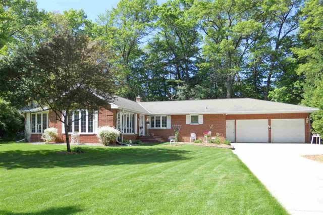 2484 Ironwood Drive, Green Bay, WI 54304 (#50204586) :: Todd Wiese Homeselling System, Inc.