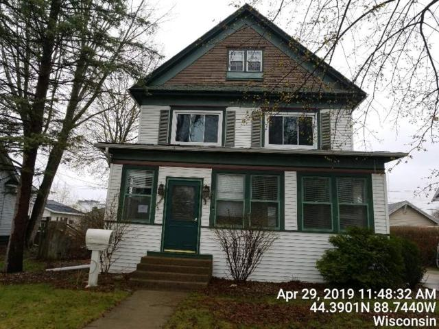 415 W Spring Street, New London, WI 54961 (#50204600) :: Todd Wiese Homeselling System, Inc.
