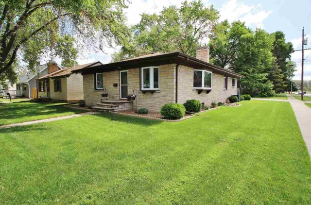 1745 11TH Avenue, Green Bay, WI 54304 (#50204607) :: Todd Wiese Homeselling System, Inc.