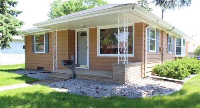 2206 N Locust Street, Appleton, WI 54914 (#50204685) :: Todd Wiese Homeselling System, Inc.