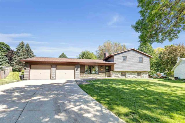 953 Hilly Haven Court, Green Bay, WI 54311 (#50204810) :: Todd Wiese Homeselling System, Inc.