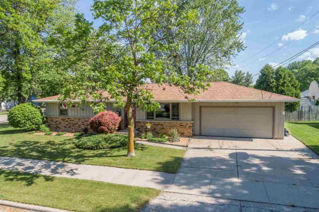 112 Greenfield Drive, Little Chute, WI 54140 (#50204826) :: Dallaire Realty