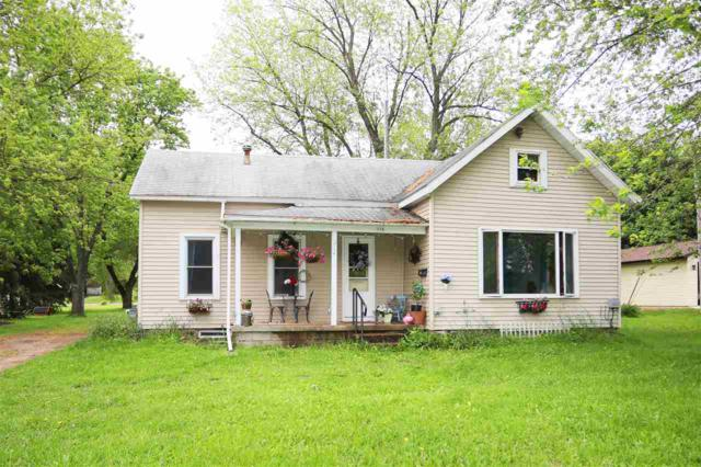 214 Center Street, Berlin, WI 54923 (#50204994) :: Todd Wiese Homeselling System, Inc.